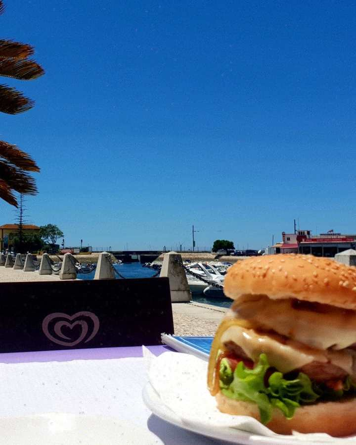 Blue skies, burger, harbour, cafe do coreto, faro, Portugal